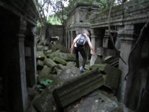 カンボジア 遺跡 探検